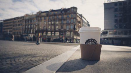 mit Kaffee ist alles einfacher - heiß und schwarz