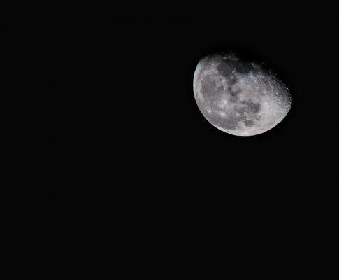 Mond über Heusenstamm